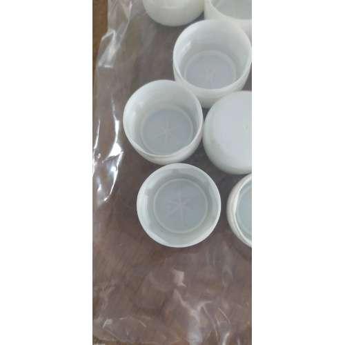 Nakrętka plastikowa do butelek PET 20 szt